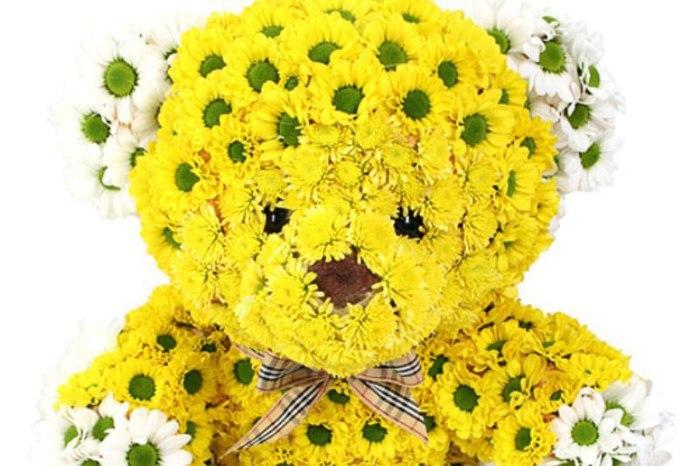 Câţi bani dau românii pe flori şi care sunt mesajele pe care le solicită