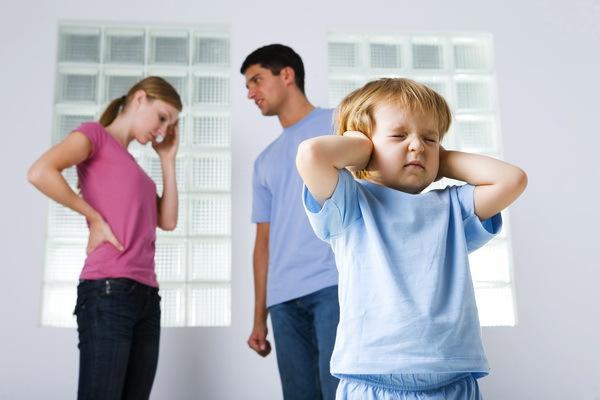 Ce efecte poate avea divorţul părinţilor asupra copiilor