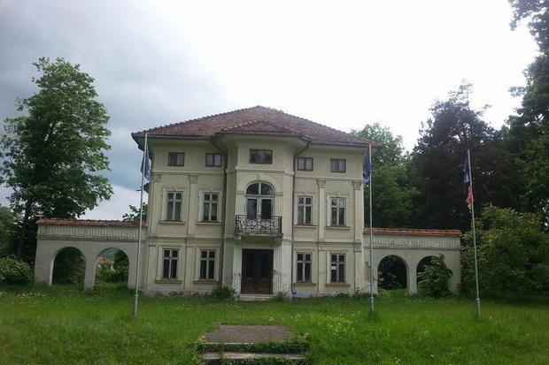 O firmă privată vrea să demoleze Castelul Brâncoveanu din Breaza. Ce vrea să construiască în locul celebrei clădiri istorice