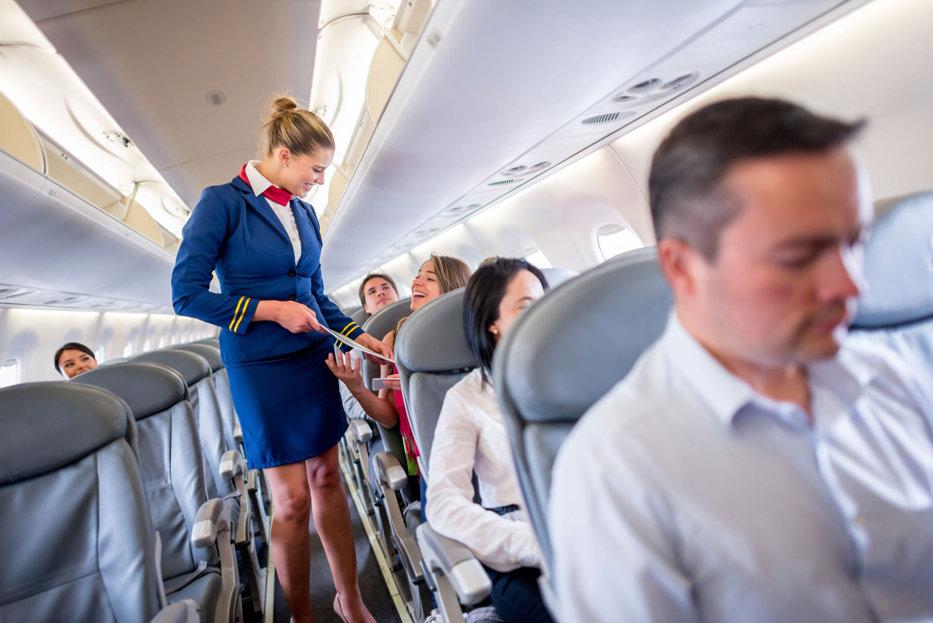 """Pilotul unei companii aeriene răspunde la întrebarea: """"Este mai sigur să zbori ziua sau noaptea?"""""""