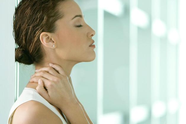 Ce spun gâtul şi braţele despre problemele cu care ne confruntăm