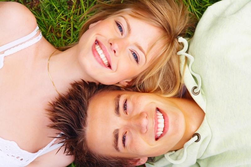 De ce trăiesc mai mult oamenii care au o relaţie fericită