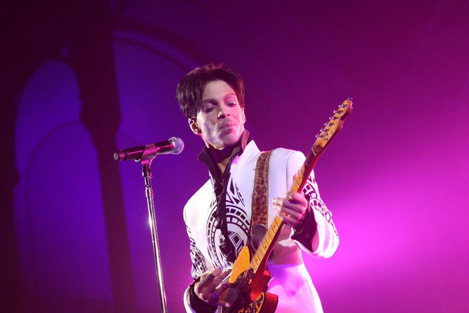 Ultimul album al lui Prince naşte conflicte. Ce se întâmplă la un an de la moartea artistului