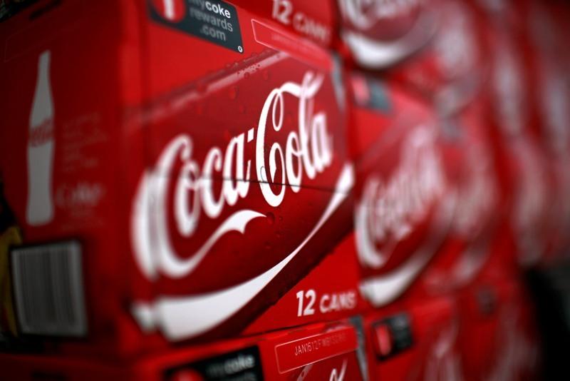 Câte sticle de Coca Cola se vând într-un minut în lume. VIDEO