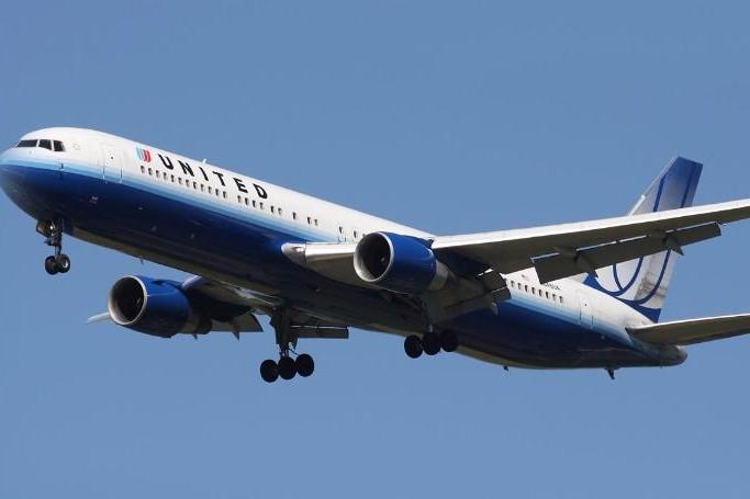 Ce spun piloţii atunci când cred că un avion este pe cale să se prăbuşească. Detaliile care arată ce se petrece în cabină în momentele de maximă tensiune