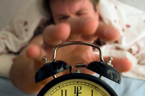 """Lipsa somnului face creierul să se """"mănânce"""" singur"""