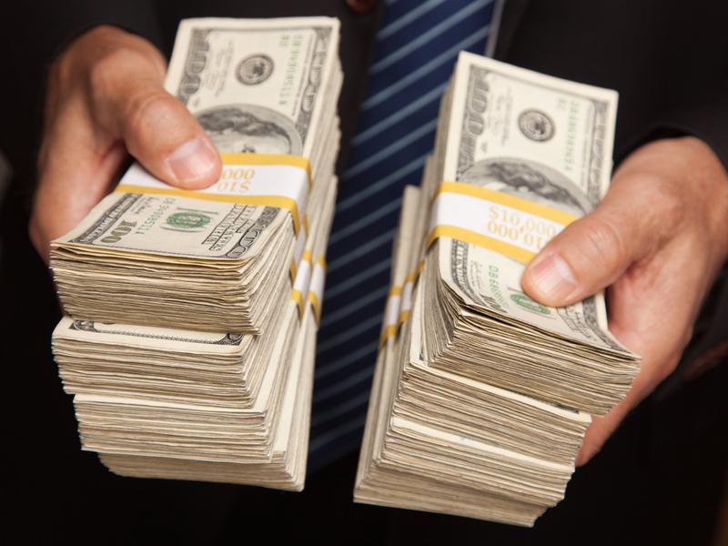 Cele mai bine plătite celebrităţi. Cine este vedeta care a încasat 130 de milioane de dolari în ultimul an