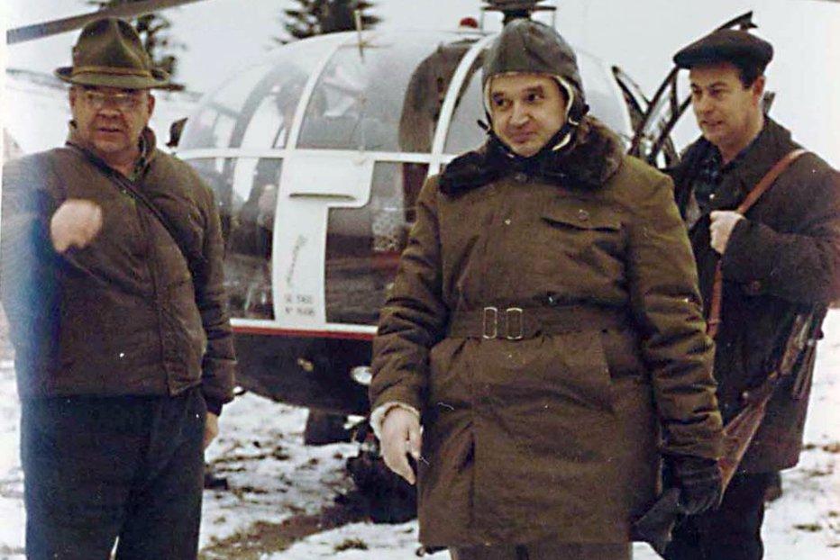 Cum arată şi cât costă puşca lui Nicolae Ceauşescu, cu care a doborât un mistreţ de 300 de kilograme
