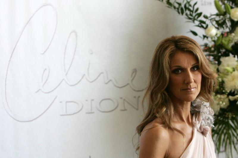 FOTO. Celine Dion a pozat goală, pentru a-şi promova creaţiile vestimentare