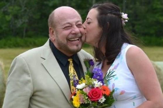 Ţinea discursul la nunta fiicei sale, când a fost oprit în mijlocul frazei. Ce s-a întâmplat mai departe este demn de un scenariu SF