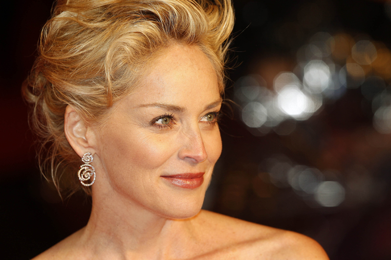 """Madonna a numit-o """"o actriţă incredibil de mediocră"""". Reacţia lui Sharon Stone"""