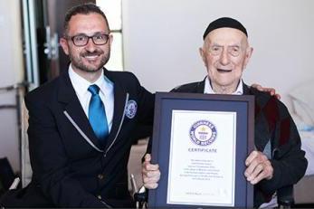 A murit cel mai bătrân bărbat din lume. Cine a fost Israel Kristal, omul care a trăit 113 ani