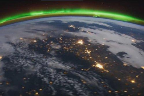 """Imagini SPECTACULOASE cu Terra, filmate de pe Staţia Spaţială Internaţională. Se pot vedea """"cizma"""" Italiei şi marile oraşe ale lumii"""