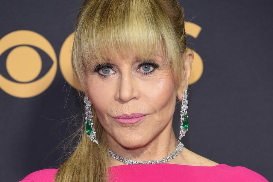La 79 de ani, Jane Fonda le-a eclipsat pe tinerele sale colege la Premiile Emmy. FOTO