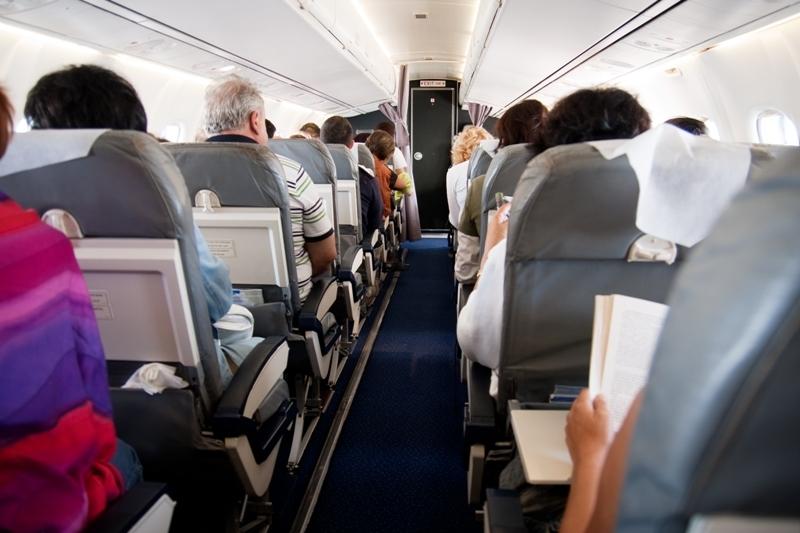 Ce se întâmplă de multe ori în cabina piloţilor, în timpul zborului, şi pasagerii nu observă