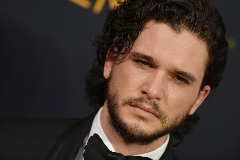 Visul fanilor Game of Thrones a devenit realitate. Jon Snow s-a logodit