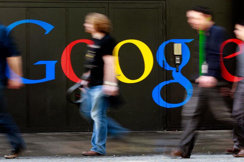 Noul dispozitiv cu care Google vrea să eclipseze Apple. Cum veţi putea vorbi în 40 de limbi străine la un simplu click distanţă