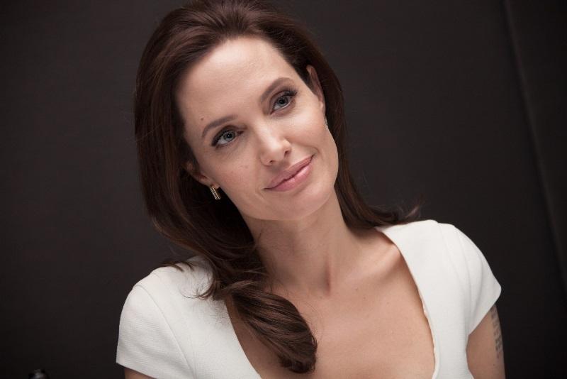 Detaliul neştiut din viaţa Angelinei Jolie. Actriţa era pe cale să ia parte la o operaţiune de prindere a criminalilor