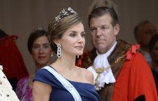 Regina Spaniei, apariţie impresionantă într-o rochie de 350 lei. Magazinul se găseşte şi în România. FOTO