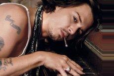 Cum a ajuns Johnny Depp în pragul falimentului: cheltuia o avere doar pe vin. Sticlele de zeci de mii de dolari îi erau aduse cu avionul din Franţa