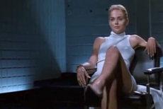 Celebra scenă din Basic Instinct, recreată din întâmplare de Sharon Stone. FOTO