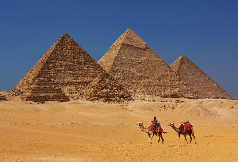 """Încăperea secretă din interiorul Marii Piramide din Giza a fost descoperită. Arheologii au detectat un """"mare vid"""" în interiorul structurii vechi de 4.500 de ani"""