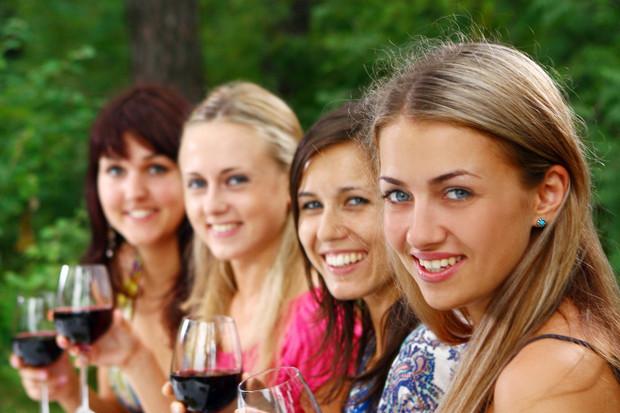 Oraşul locuit doar de femei cu vârste cuprinse între 20 şi 35 de ani. Ce trebuie să facă bărbaţii ca să poată intra in oraş