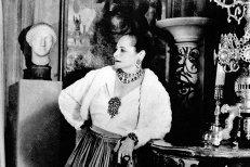 Povestea femeii care s-a îmbogăţit cu o resursă din Carpaţi de care românii nici nu au habar