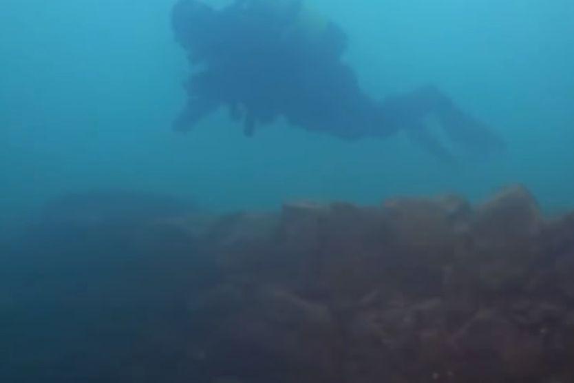 Descoperire incredibilă pe fundul celui mai mare lac din Turcia. Este vechi de 3.000 de ani şi a aparţinut unei civilizaţii misterioase