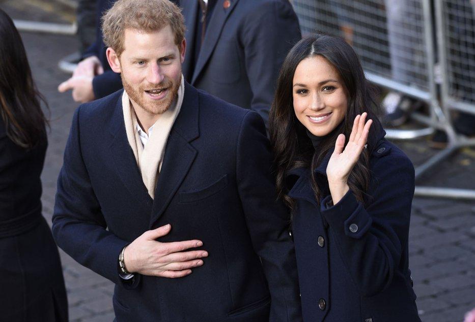 """Cum arată inelul de logodnă pe care Prinţul Harry i l-a oferit lui Meghan Markle: """"M-am asigurat că rămâne pe degetul ei!"""""""
