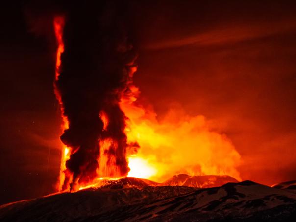 O erupţie apocaliptică ar putea distruge civilizaţia şi este mult mai aproape decât se credea anterior
