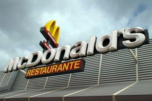 Produsul la care restaurantele Mc Donald's sunt somate să renunţe imediat: Pot infecta oamenii