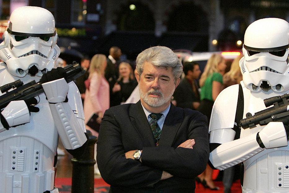 """""""Star Wars"""" l-a făcut pe George Lucas cea mai bogată celebritate. Suma uriaşă pe care o are în cont regizorul american"""