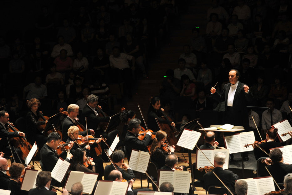 Anchetă la Orchestra din Montreal după ce dirijorul Charles Dutoit, de 81 de ani, a fost acuzat de hărţuire sexuală