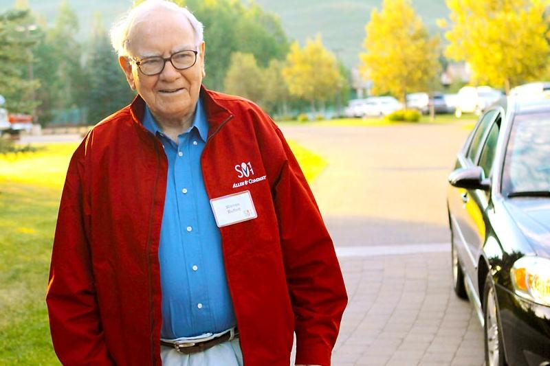 """Lucruri neştiute despre viaţa personală a lui Warren Buffett. """"Credeam că după despărţirea de mama nu va mai putea funcţiona în societate"""""""