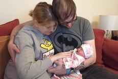 Medicii i-au spus că fetiţa sa va trăi doar 9 minute după naştere, însă Hayley a decis să ducă sarcina până la capăt pentru a salva alte vieţi. Vestea teribilă primită imediat după cezariană