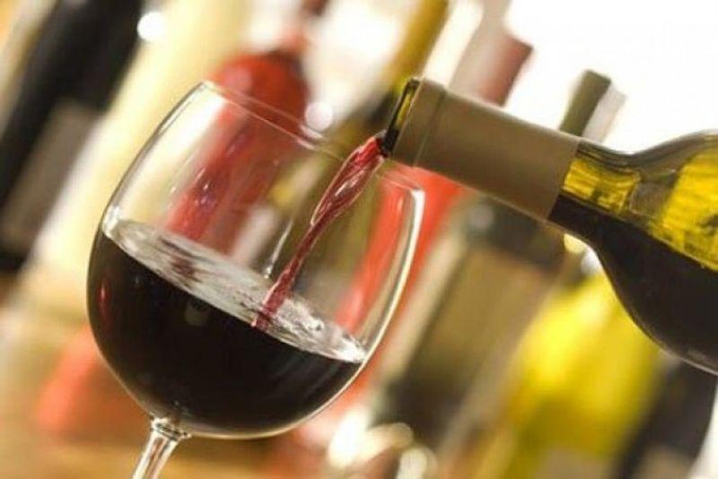 Cât timp poţi consuma vinul dintr-o sticlă desfăcută