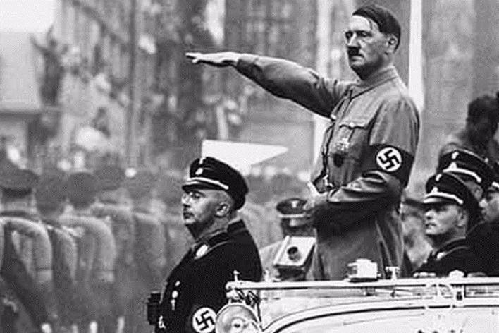 Cel mai mare secret al lui Hitler. Malformaţia pe care o avea Führerul şi care apare la unul din 200 de bărbaţi