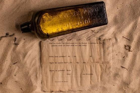 A fost descoperit cel mai vechi mesaj într-o sticlă. Povestea scrisorii de 132 de ani găsită, din întâmplare, pe o plajă, printre gunoaie