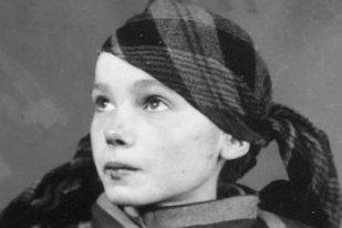 Înainte să moară, o adolescentă de la Auschwitz a fost fotografiată de un soldat german. 75 de ani mai târziu, un artist digital a colorat imaginile şi a scos la iveală detalii incredibile