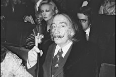 """Salvador Dali, reînhumat după testul ADN cerut de o clarvăzătoare. Rămâne, totuşi, """"miracolul"""" descoperit de experţi, la 30 de ani de la moartea marelui artist"""