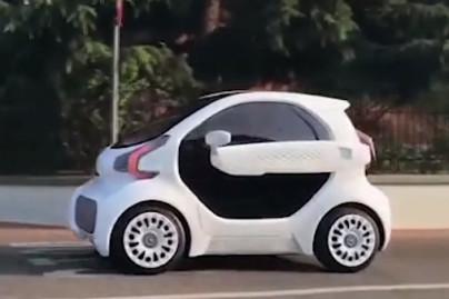 """Chinezii vor lansa o """"clonă de Smart"""", care poate fi construită în doar trei zile, cu ajutorul unei imprimante 3D"""