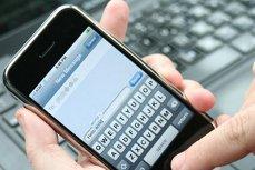 Ţara care amendează cu 130.000 de dolari persoanele care accesează telefonul partenerului de cuplu fără acordul acestuia