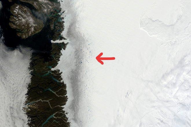 Imaginile din satelit au scos la iveală o zonă misterioasă în Groenlanda. Cercetătorii caută acum explicaţii