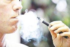 Ţigările electronice, în centrul unei noi controverse. Mesajul unui expert pentru doctorii care îi sfătuiesc pe fumători să apeleze la asemenea soluţii