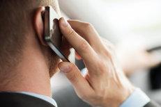 Telefonul mobil, motiv de gelozie mai puternic decât amantul