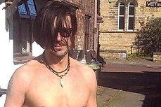 Un bărbat care se credea Johnny Depp a ucis un bătrân cu mai multe lovituri de chitară