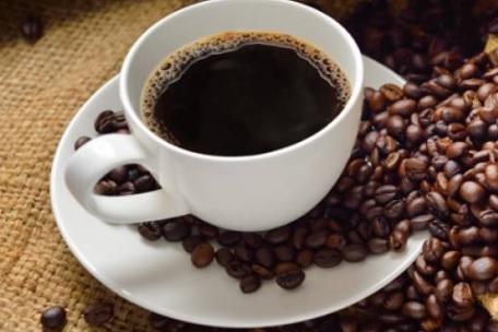 Cafeaua s-ar putea ieftini, ultimele previziuni arată o creştere semnificativă a producţiei