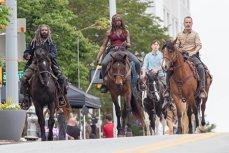 AMC va continua THE WALKING DEAD încă cel puţin 10 ani. Din 8 octombrie, începe sezonul 9