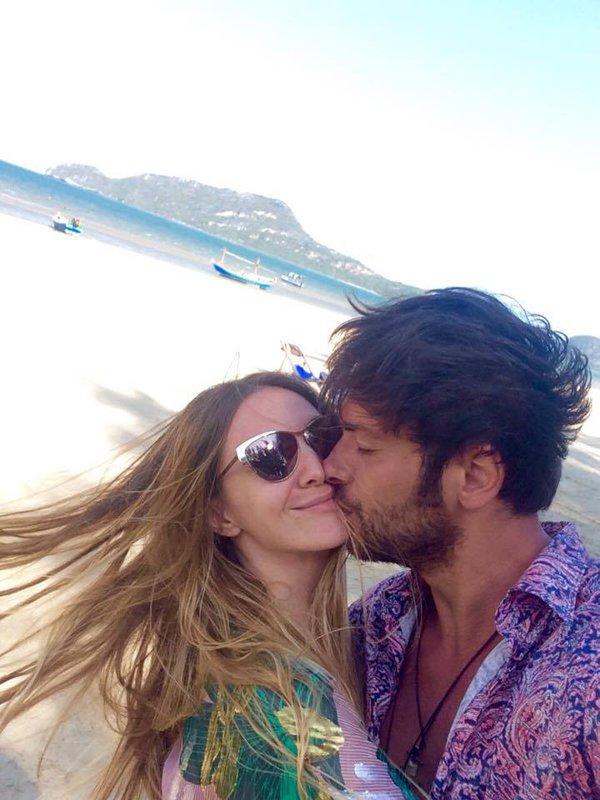 Adela Popescu şi Radu Vâlcan în Asia